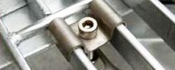 Method for mounting steel grid plate